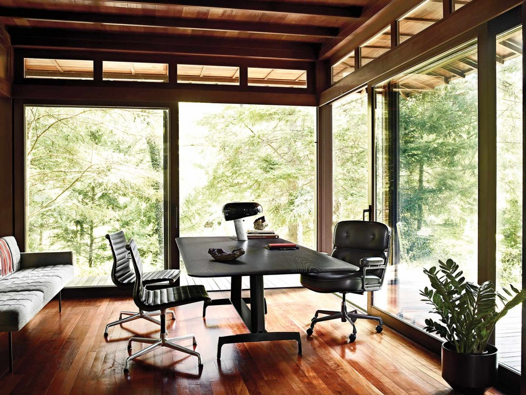 Working-storage-Eames Executive Chair, Tuxedo Component Lounge Sofa